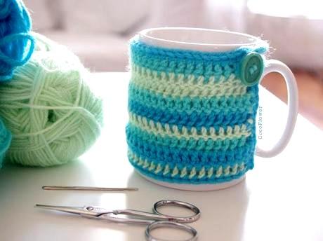 diy-cozy-mug-cover-couvre-tasse-confortable-c-L-ZmZVeJ