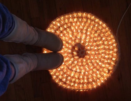 DIY-Crochet-Illuminated-String-Light-Rug (5)