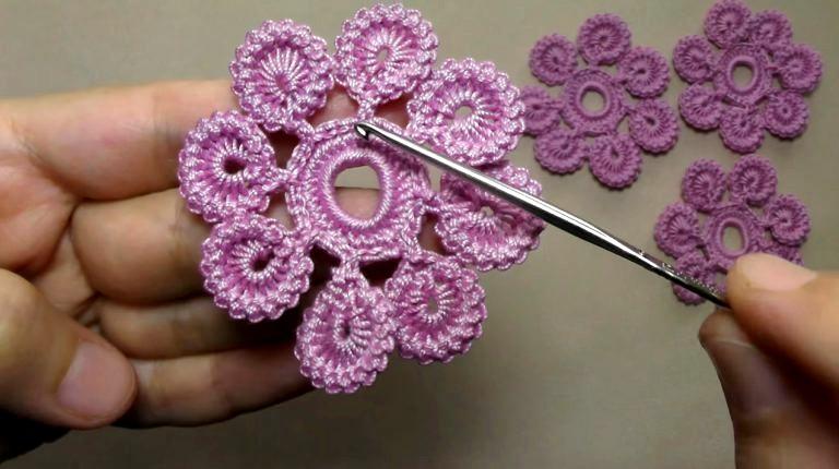 comment-faire-une-belle-fleur-en-crochet