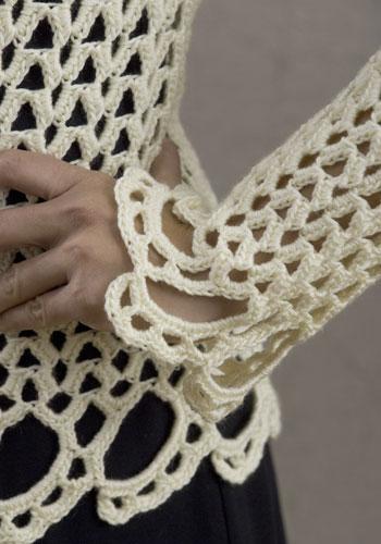 sophistiquee-blouse-au-crochet-avec-des-graphiques-7