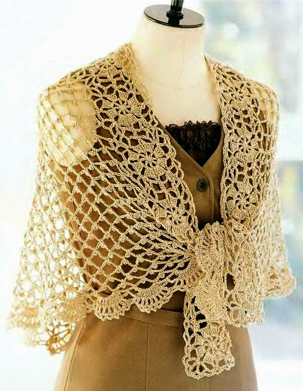 Belle Châle au Crochet (1)